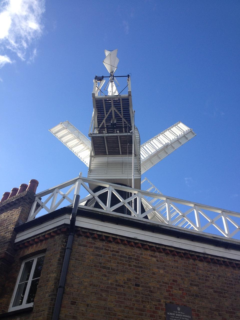 Image of a windmill at Wimbledon
